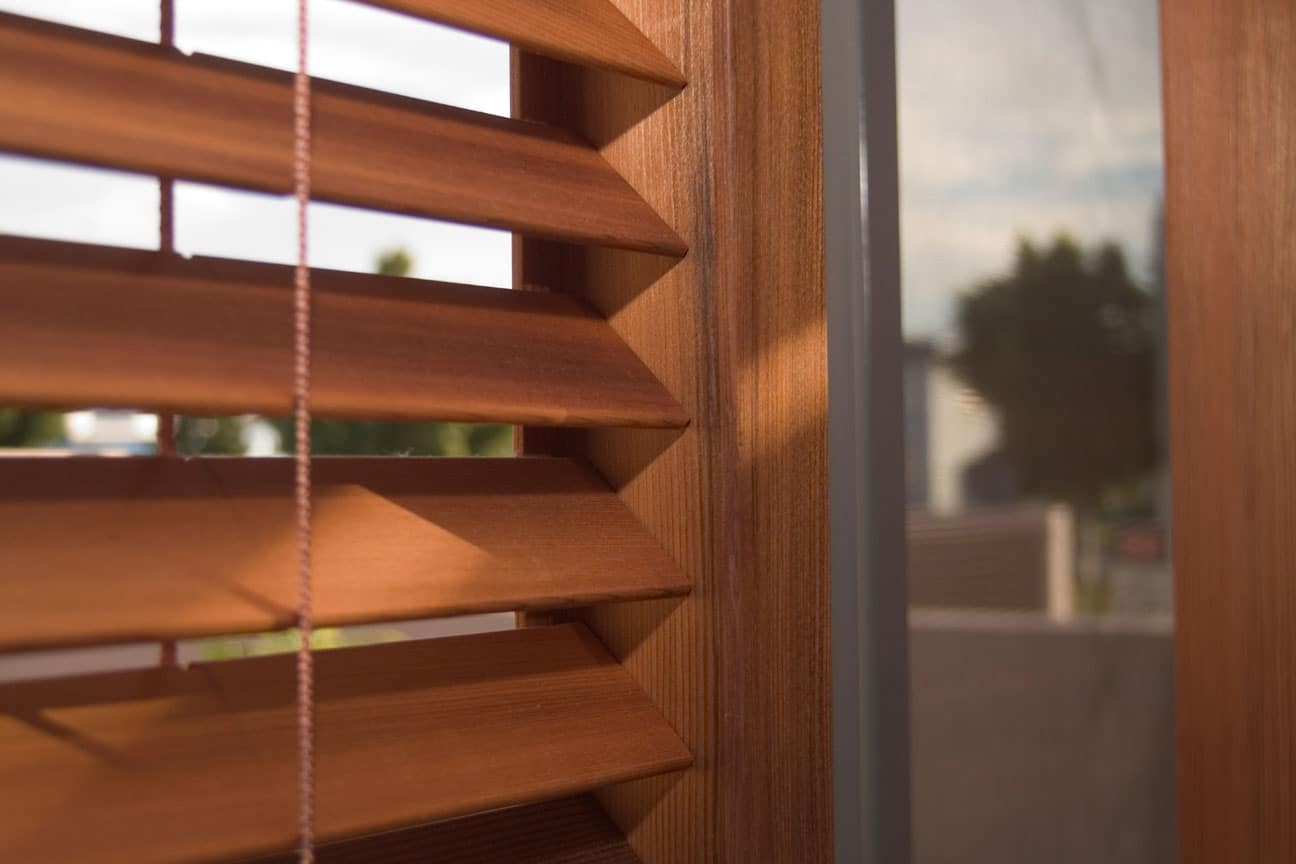 how to clean timber venetians